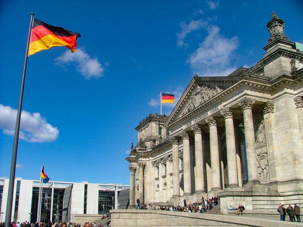 Reichstag in der Aprilsonne